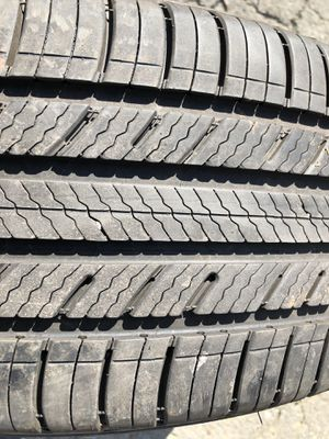One used tire 225/60R18 MICHELIN PREMIER A/S $40 una llanta usada 225/60R18 MICHELIN PREMIER A/S $40 for Sale in Alexandria, VA