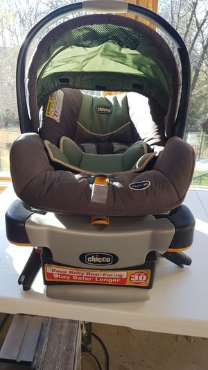 Chicco keyfit 30 car seat with base for Sale in Joplin, MO