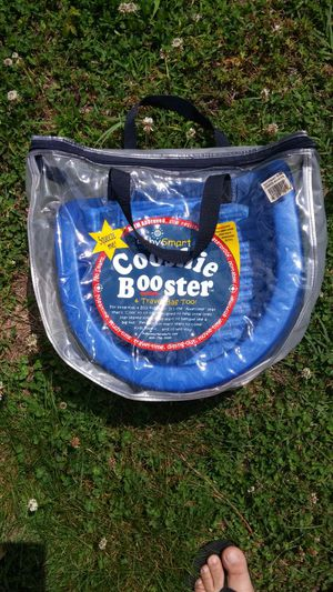 Baby smart cooshie booster seat for Sale in Richmond, VA
