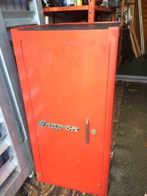 Snap On Tool box with 3 trays lock and keys for Sale in Kenneth City, FL