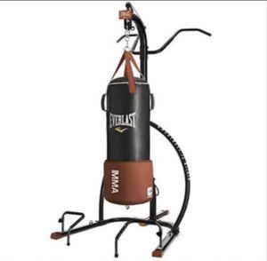 Everlast MMA Punching Bag & Stand (80lb Bag) for Sale in Ocoee, FL