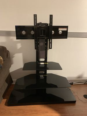TV Stand with mount up to 55 in for Sale in Reston, VA