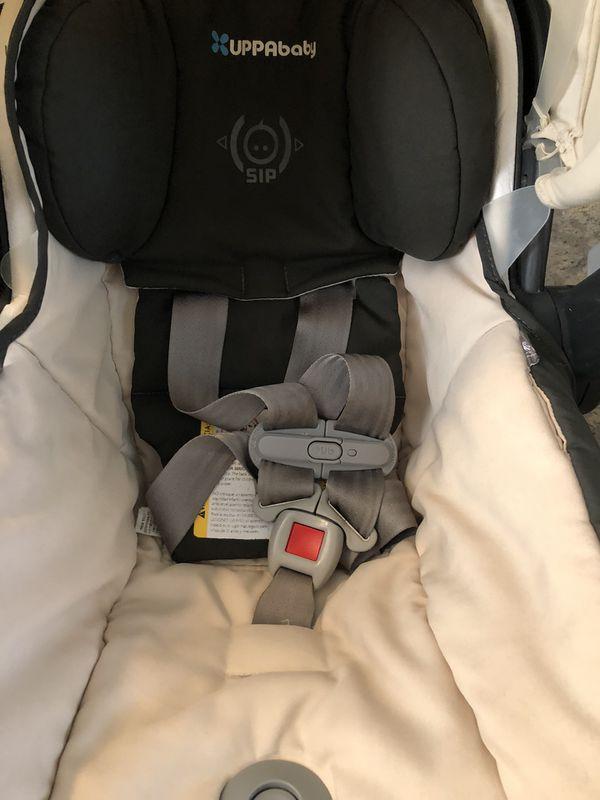 Uppa baby Mesa car seat and base