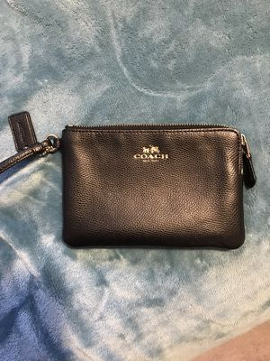 Coach wristlet for Sale in Bowie, MD