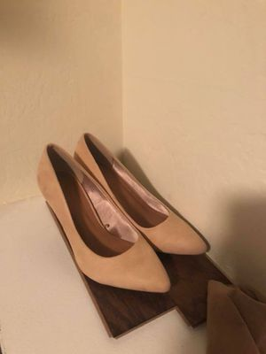 Pointed close toed heels for Sale in Maricopa, AZ