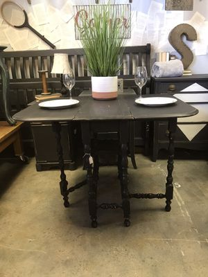 Vintage Drop Leaf Gate Leg Table for Sale in Phoenix, AZ