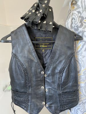 Women's leather motorcycle vest and chaps for Sale in East Wenatchee, WA