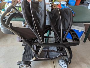 Graco double stroller for Sale in Brunswick, OH