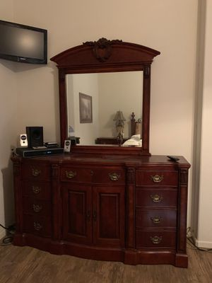 Broyhill 4 pc Bedroom Set - Brand New for Sale in Gilbert, AZ
