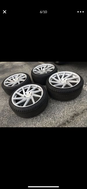 """20"""" staggered rims and tires for Sale in Cranston, RI"""