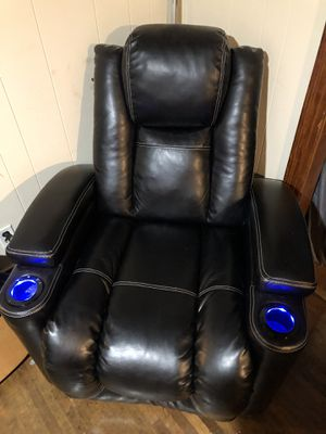 Electric recliner for Sale in Nashville, TN