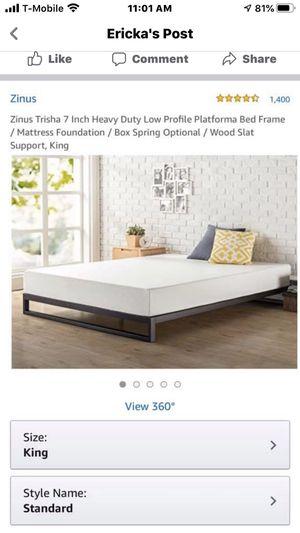 Platform King bed frame for Sale in San Marcos, TX