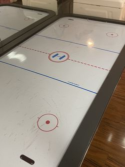 Harverd Air Hockey Table for Sale in Merrick,  NY