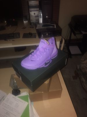 Basketball shoes for Sale in Reynoldsburg, OH