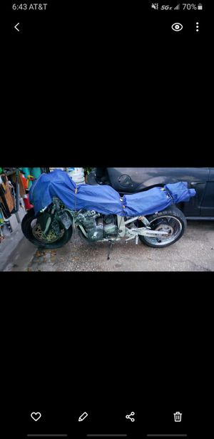 91 gsxr 750 parts bike, no title, no keys, motor turns over for Sale in Cocoa, FL