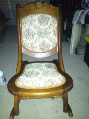 Albert M. Lock and Sons Antique Rocking chair for Sale in Liberty, MO