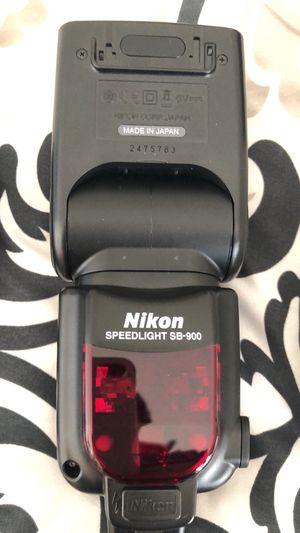 Nikon sb-900 completo for Sale in Richmond, CA