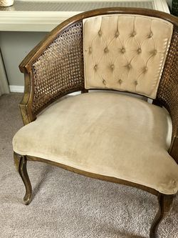 Vintage Accent Chair for Sale in Auburn,  WA