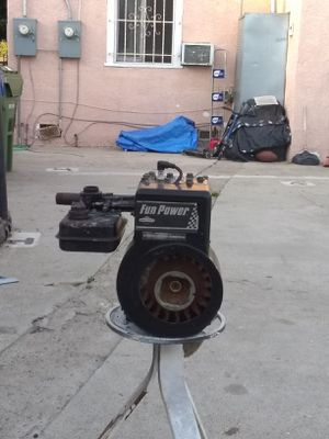 Briggs and Stratton motor(shoot Offers) for Sale in Los Angeles, CA