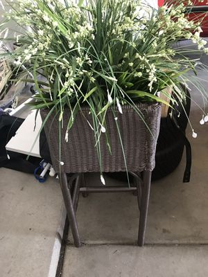 Plant with stand up planter, fake plant for Sale in Chandler, AZ