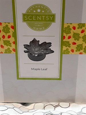 SCENTSY maple leaf warmer for Sale in Temple City, CA