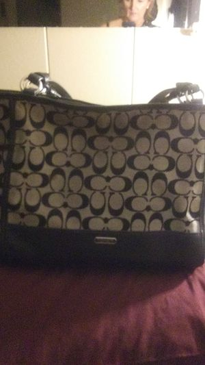 Like New Signature COACH Tote for Sale in Saint Charles, MO