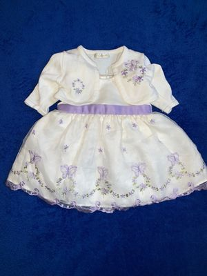 Beautiful Baby Girl Dress Size 3 Months 2 piece worn only once or twice for Easter and pictures for Sale in Banning, CA