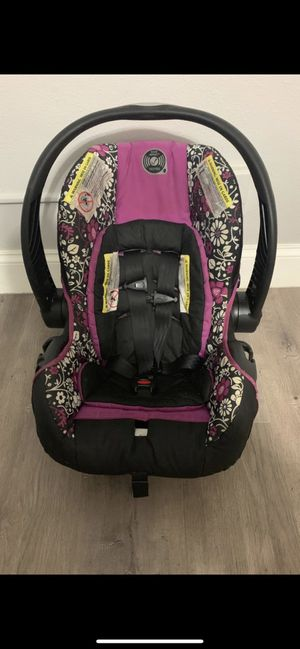 Infant car seat for Sale in Hollywood, FL