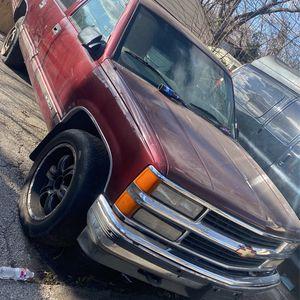 Para Partes Oo Completa Chevy Suburban 1998 (4*4 ) (5.7 Vortec )Motor Y Transmisión Al 100 for Sale in Dallas, TX