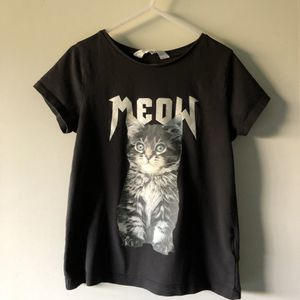 H&M Shirt 🐱 (Kid Size 6-8) for Sale in Upland, CA