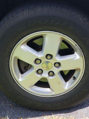 2011 Grand Cherokee 4 Original Tires & wheels/235/70/17 for Sale in Swansea, IL