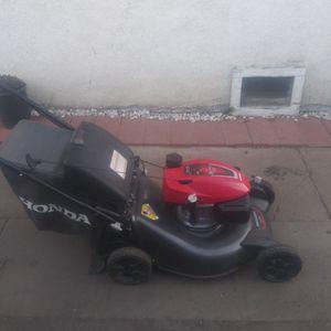 Lawnmower BRAND NEW NEW NEW Honda Hcv160 hrn Self Propelled Smart Walk Transmission . for Sale in Commerce, CA