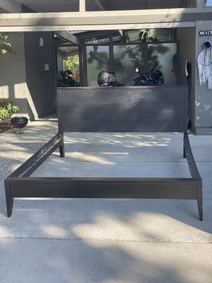 Free cal king bed for Sale in Cupertino, CA