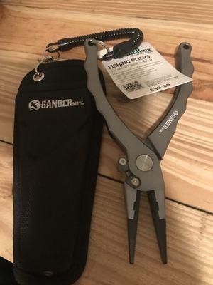 "Gander mountain 7.5"" fishing pliers for Sale in Brookwood, AL"