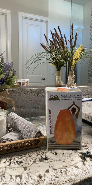 Natural Salt Lamp /// Himalayan Salt/// —BRAND NEW—- for Sale in Peoria, AZ