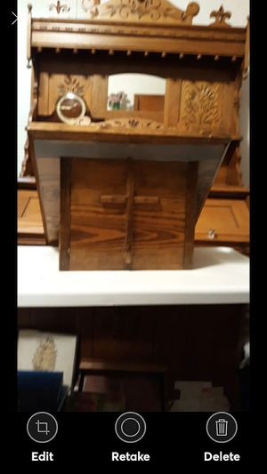 HANDCRAFTED SOLID WOOD TABLE TOP LECTERN for Sale in Lynchburg, VA