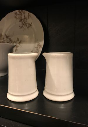 Antique 1922 Buffalo China restaurant pitcher creamers for Sale in Newberg, OR
