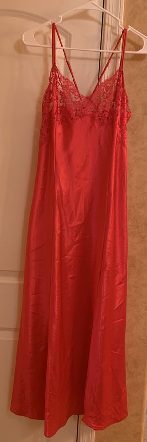 Victoria Secret size M night gown for Sale in Fort McDowell, AZ