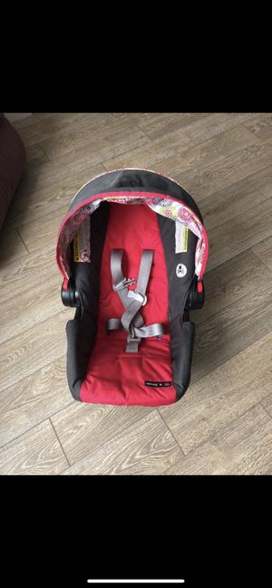 GRACO car seat with base for Sale in South Jordan, UT