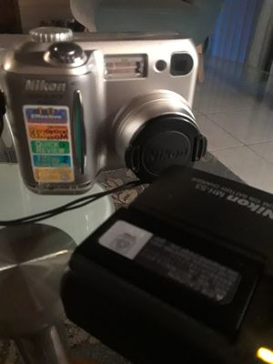 Nikon Cool Pix 3400 for Sale in Tampa, FL