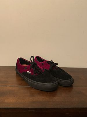 9/10 Supreme x Vans Maroon velvet star size 8! for Sale in Philadelphia, PA