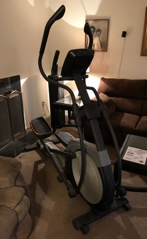 Nordictrack (e8.7) elliptical for Sale in North Kansas City, MO