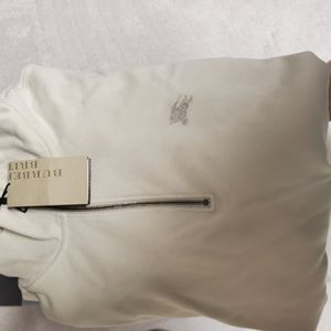 Burberry half zip brand new in black and beige xxl for Sale in Riverview, FL