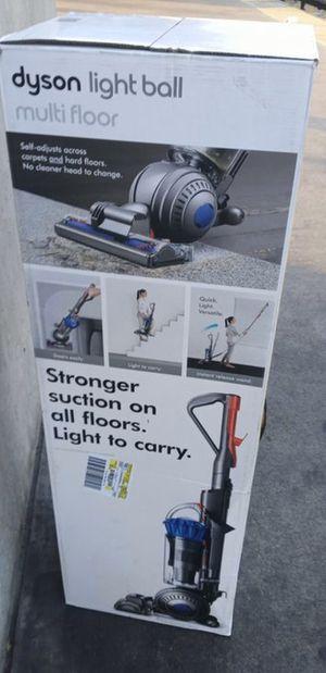 Dyson Lite Ball Multi Floor Vacuum for Sale in Santa Fe Springs, CA