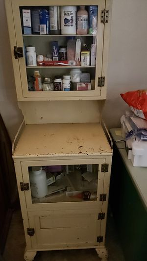 antique medicine cabinet for Sale in NEW PRT RCHY, FL