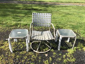 Chairs and side table for Sale in Aldie, VA