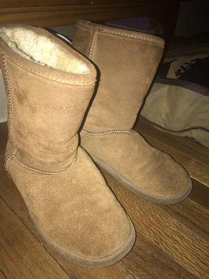 BearpAw boots for Sale in Glenolden, PA