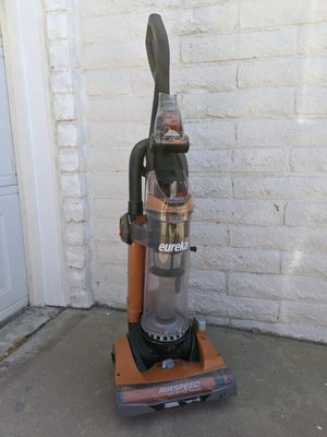 Eureka AirSpeed unlimited rewind upright vacuum for Sale in HUNTINGTN BCH, CA