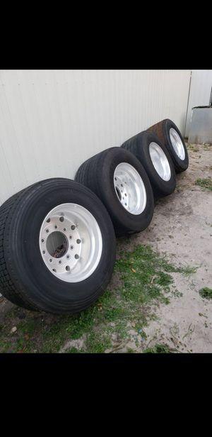 Truck tires Super single 445/22.5 balones for Sale in Hialeah, FL