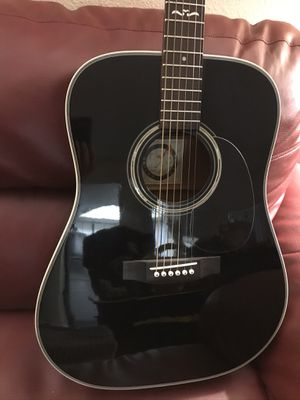Like New - Alvarez Midnight Special Acoustic Guitar with Case for Sale in Mesa, AZ